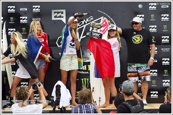 Alizee Arnaud became the third French and European to win an ASP World Junior title last night in the Billabong ASP Women's World Junior Championships. Photo by ASP / Kirstin.