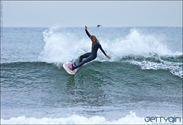 Chloe Buckley applying pressure. Photo © Chris Grant, JettyGirl.com