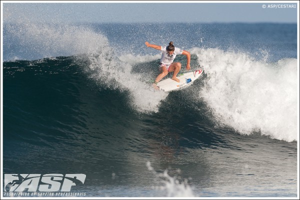 Tyler Wright (AUS), 16, one of the new faces you'll be seeing on the 2011 ASP Women's World Tour. Credit: © ASP / CESTARI