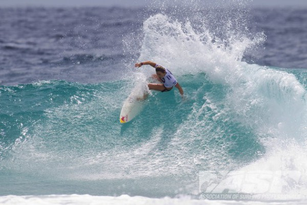 Carissa Moore claims Roxy Pro Gold Coast. Photo © ASP 2011/ Kirstin Scholtz