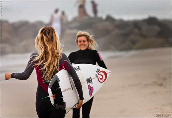 Alana Blanchard and Leila Hurst in Newport Beach, photo by Chris Grant, JettyGirl.com