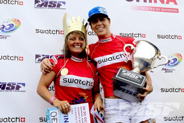 SWATCH Girls Pro China 2011 event winner, Chelsea Williams and 2011 ASP Women's Longboard World Champion, Lindsay Steinriede. Photo © ASP/Will Hayden-Smith.