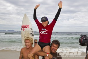 Arnette World Junior. Leila Hurst (HAW) claims the 2011 Arnette Women's World Jr Championships! Photo ©ASP/Rowland.