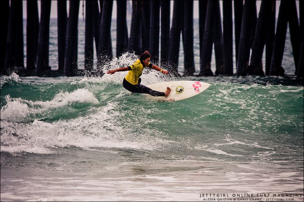 Alessa Quizon frontside snap at the 2011 Supergirl Pro Jr in Oceanside. Surf photo by Chris Grant, Jettygirl.com