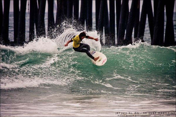 Alessa Quizon frontside snap at the 2011 Supergirl Pro Jr in Oceanside. Surf photo by Chris Grant, Jettygirl Surf Magazine.