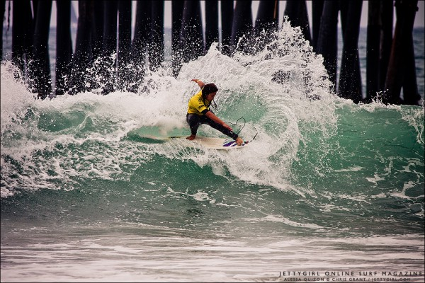 Hawaii's Alessa Quizon frontside snap at the 2011 Supergirl Pro Jr in Oceanside. Surf photo by Chris Grant, Jettygirl.com
