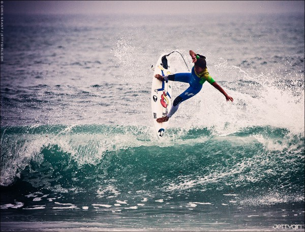 Silvana Lima flying in Southern California. Surf photo © Chris Grant, Jettygirl Online Surf Magazine