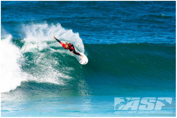 Sage Erickson (USA), 21, on the road to victory at the Cabreiroa Pantin Classic in Spain. Photo Credit: ASP/AQUASHOT