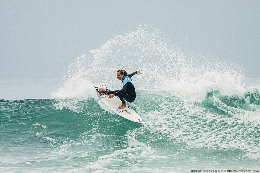 Frontside snap by Justine Dupont. Chris Grant photo on Jettygirl Online Surf Magazine.