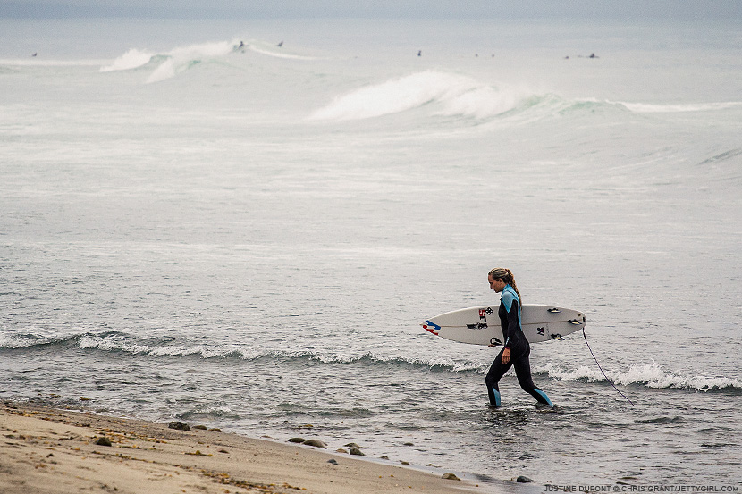 Justine Dupont heading home. Chris Grant photo on Jettygirl Online Surf Magazine.