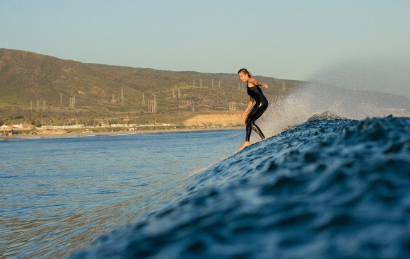 Beautiful noseriding by 2011 ASP Women's World Longboard Champion, Lindsay Steinriede Engle, on a Santa Ana Wind afternoon surf session. Chris Grant Photo for Jettygirl Surf Magazine and Lifestyle blog.