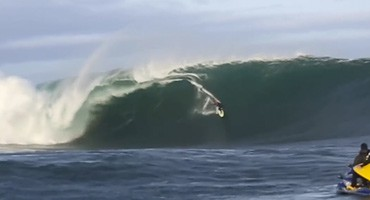Justine Dupont, big wave surfing in Ireland. Jettygirl Surf Magazine and Lifestyle Photo Blog.