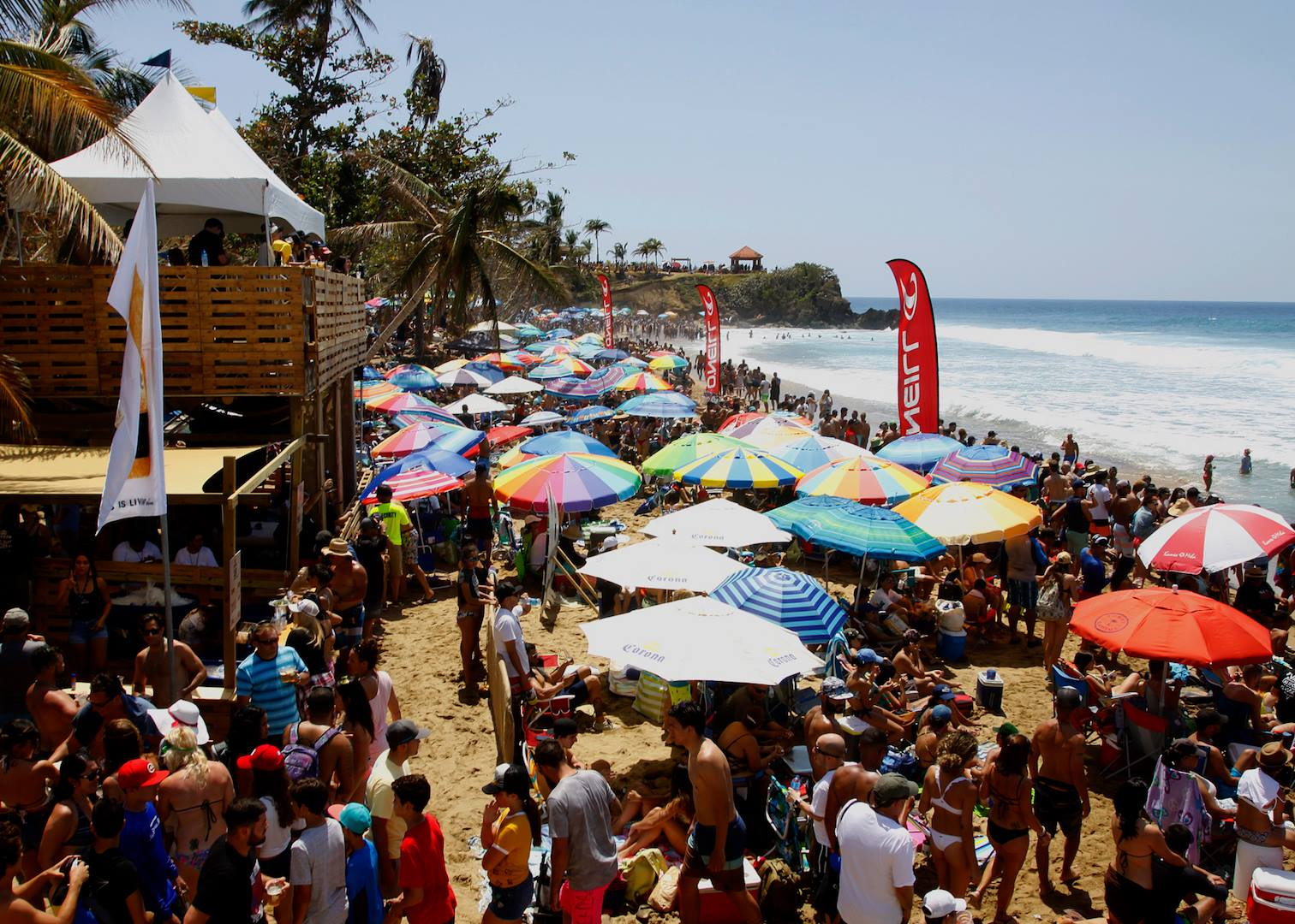 32nd Edition of Corona Extra Pro - Beach Crowd - Photo: Osiris Torres, APSPR©