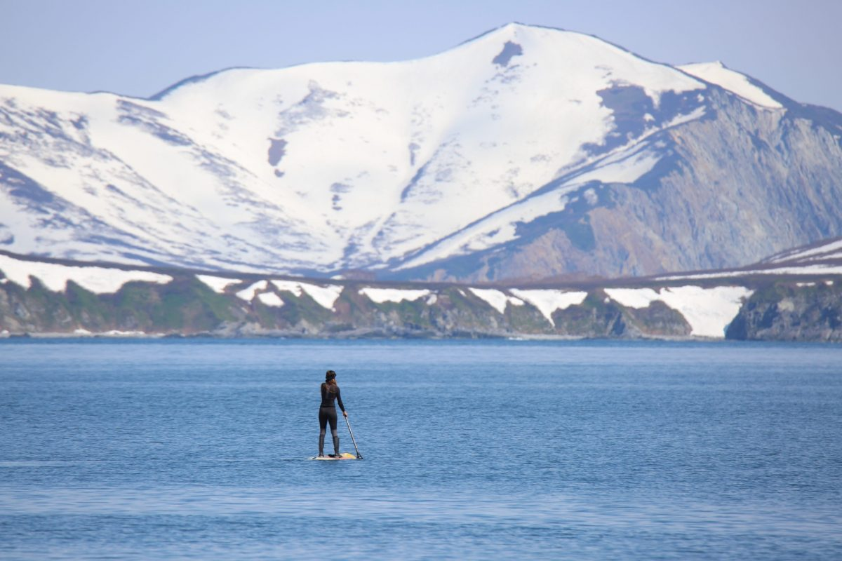 Paddling around a beautiful bay in the north of Kamchatka, Russia - Photo: Gavrilova